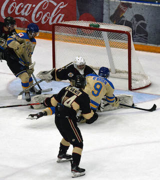 The Penticton Vees bested the West Kelowna Warriors by three goals Tuesday night.