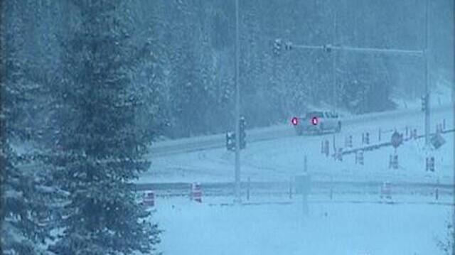 Incident has Trans-Canada Highway closed near Alberta border (BC)