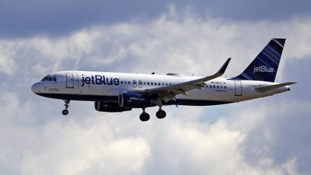 JetBlue latest airline to retreat from blocking seats due to pandemic