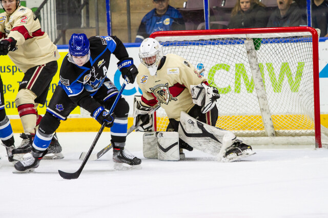 Penticton Vees and West Kelowna Warriors meeting in playoffs (BCHL)
