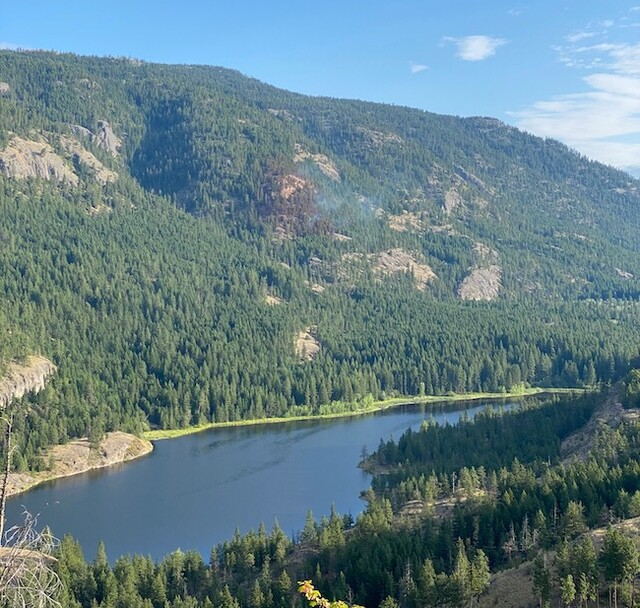 Rose Valley Dam wildfire held at 3 hectares (West Kelowna)