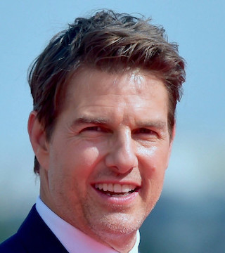 Daredevil, Tom Cruise is back doing his own stunts.