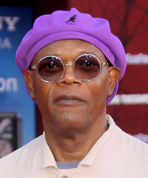 Samuel L. Jackson will teach Americans how to swear in 15 languages if they promise to vote.