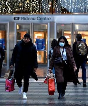 Households expect return to pre-pandemic spending within a year, Bank of Canada says.