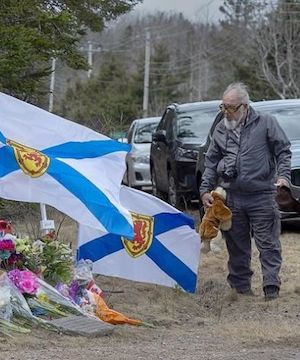 A memorial service held Sunday in central Nova Scotia honours the 22 people killed by a lone gunman one year ago.